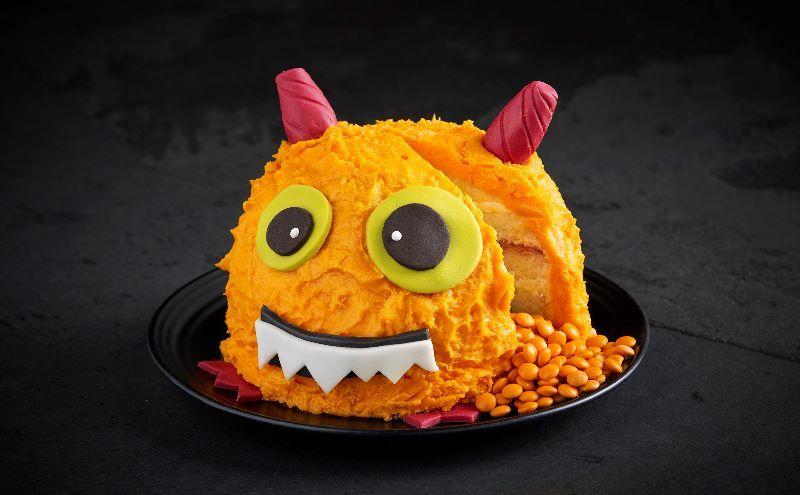 Spooky Halloween pumpkin cake