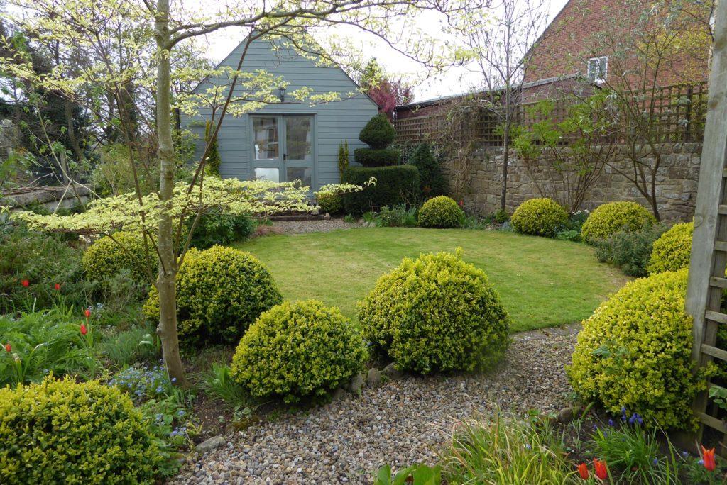 Small garden with circular path