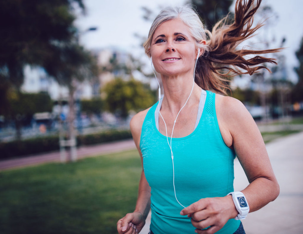 woman running, new year resolutions