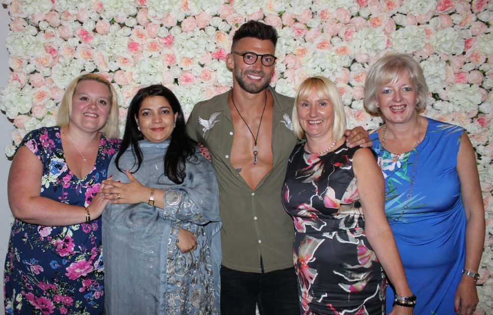 Fiona Sweeney, Asma Yasin, Jake Quickenden, Andrea Brookshaw, Louise Elliott ar Francis House Ladies Lunch