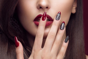 model with red nails