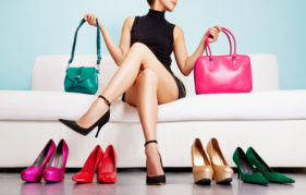 model with bags