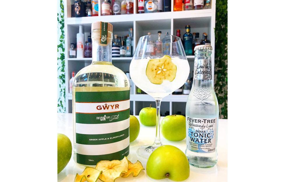 Green apple and elderflower gin